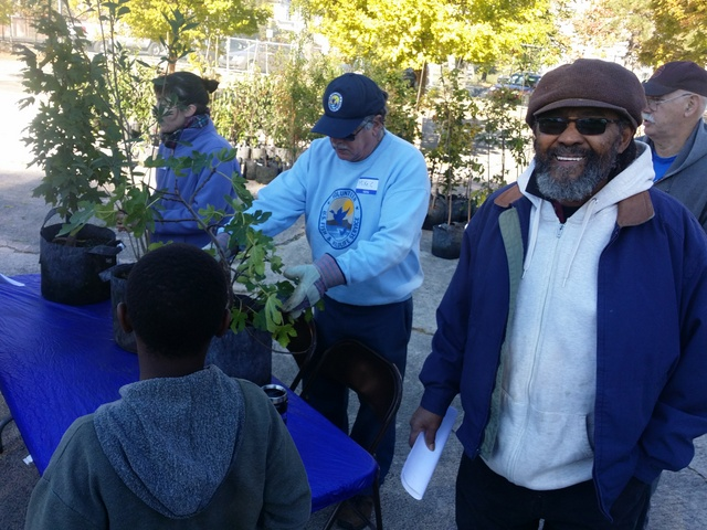 Southwest partners tree giveaway - Lamar Gore (26)